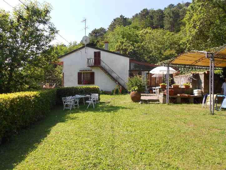 Villa-Villetta  in Vendita a Cantagallo
