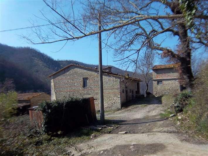 Soluzione Indipendente in vendita a San Godenzo, 11 locali, prezzo € 290.000 | Cambio Casa.it