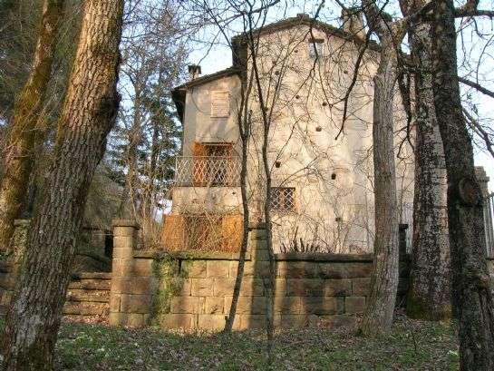 Soluzione Indipendente in vendita a Portico e San Benedetto, 9 locali, prezzo € 98.000 | Cambio Casa.it