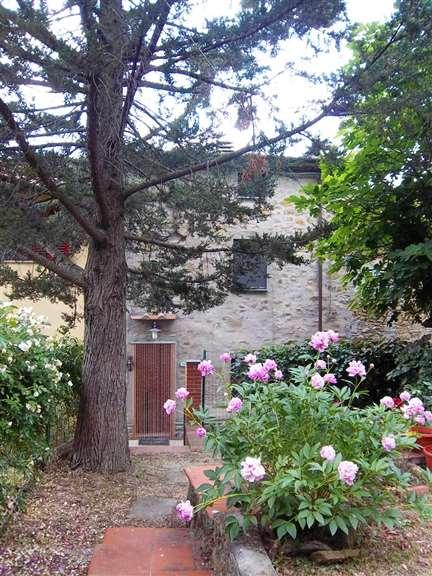 Soluzione Indipendente in vendita a Dicomano, 5 locali, zona Zona: Corella, prezzo € 135.000 | Cambio Casa.it