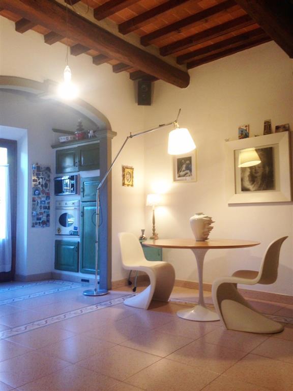 Soluzione Indipendente in vendita a Poggio a Caiano, 5 locali, prezzo € 275.000 | Cambio Casa.it