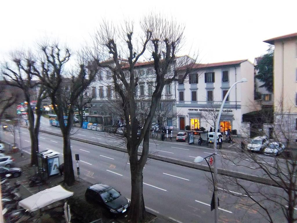 Appartamento in vendita a Firenze, 7 locali, zona Località: BECCARIA, prezzo € 760.000 | Cambio Casa.it