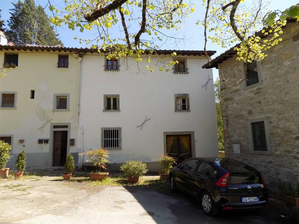 Appartamento in vendita a San Godenzo, 4 locali, prezzo € 55.000 | Cambio Casa.it