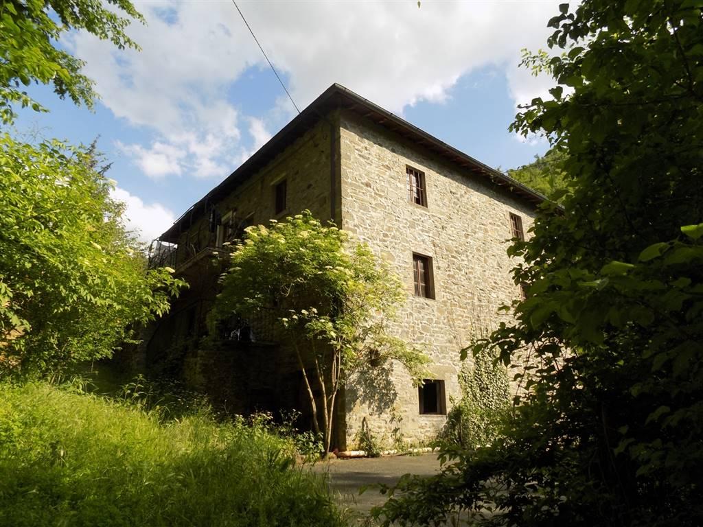 Soluzione Indipendente in vendita a San Godenzo, 10 locali, prezzo € 195.000 | CambioCasa.it