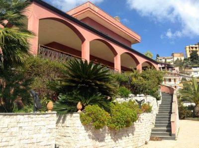 Villa-Villetta Vendita Taormina