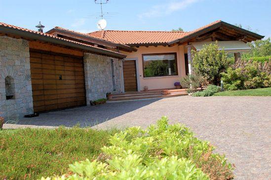 Vendita villa arona trova ville arona in vendita pag 2 for Aggiungendo un portico ad un ranch