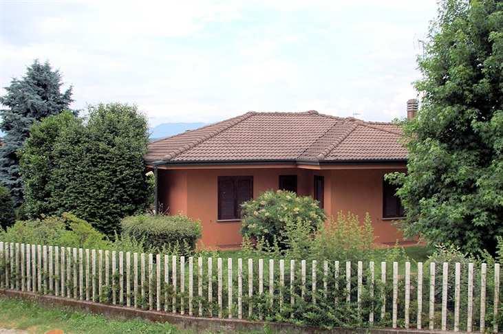 Villa in Via Cavour 1, Arona