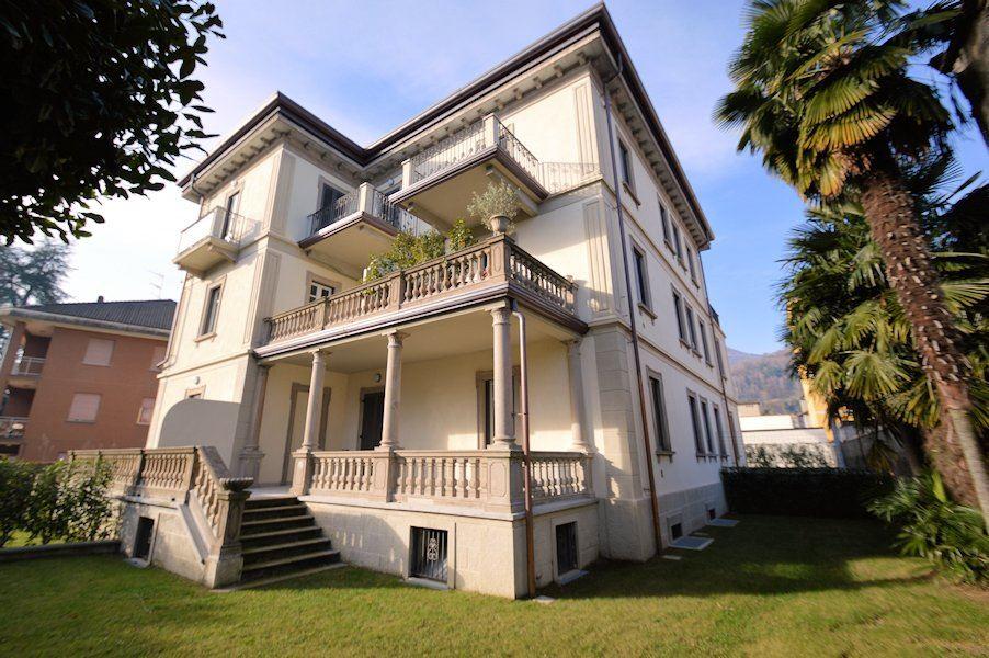 Appartamento in vendita a Arona, 2 locali, prezzo € 175.000 | Cambio Casa.it