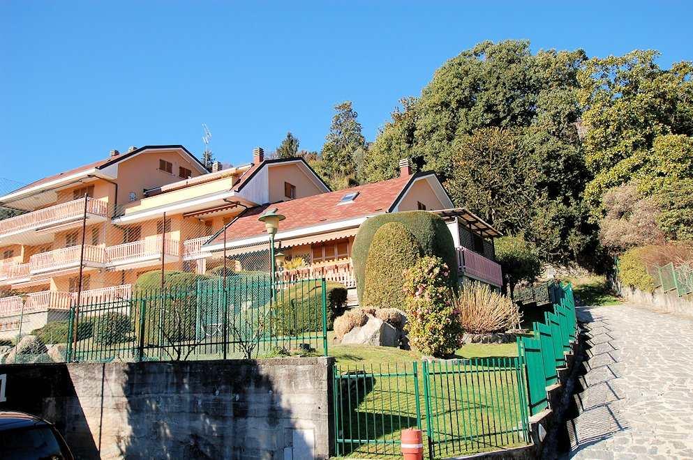 Appartamento in vendita a Arona, 5 locali, prezzo € 350.000 | Cambio Casa.it