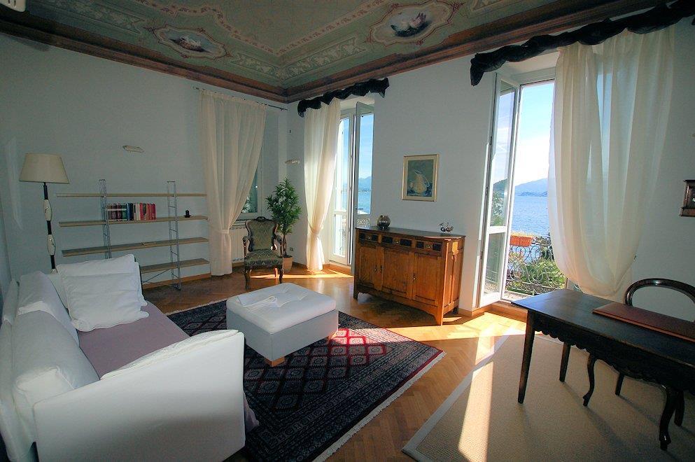 Appartamento in affitto a Arona, 5 locali, prezzo € 1.000 | Cambio Casa.it
