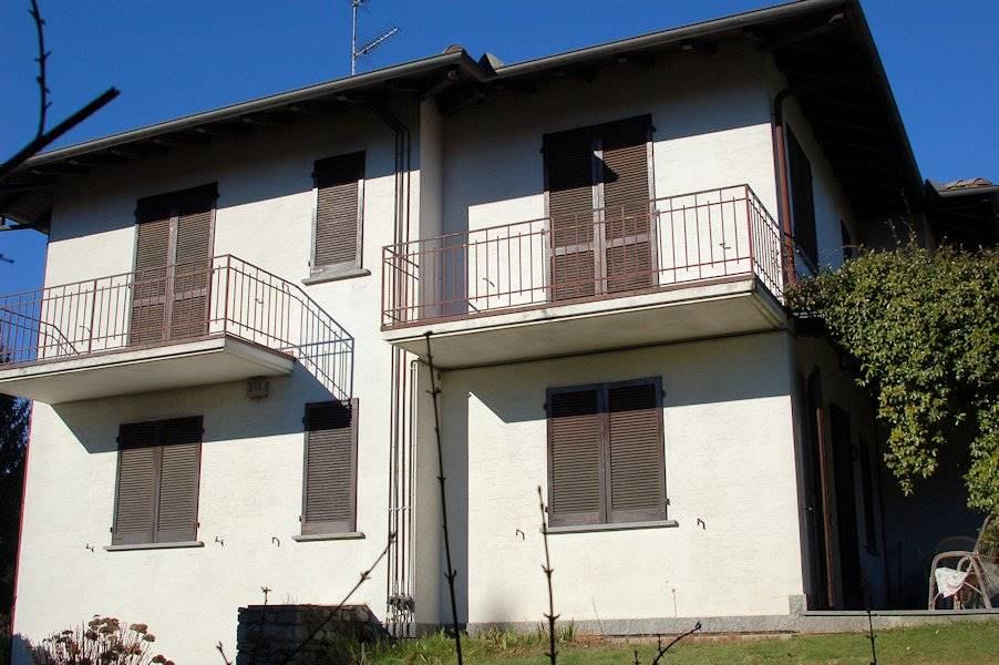 Appartamento in affitto a Lesa, 3 locali, prezzo € 400 | Cambio Casa.it