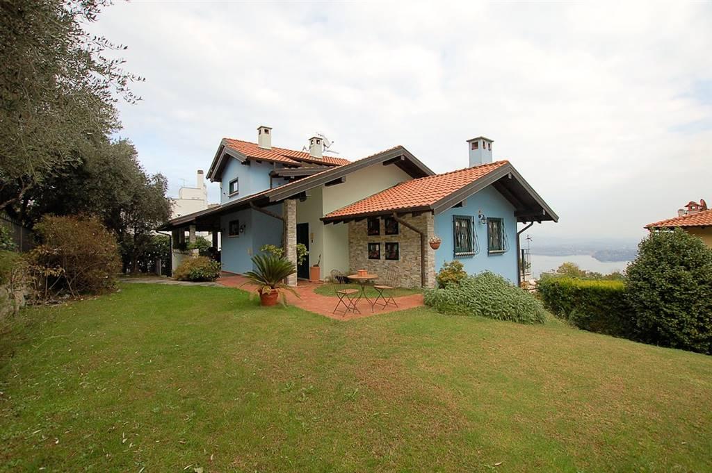 Villa in affitto a Arona, 7 locali, prezzo € 2.800 | Cambio Casa.it