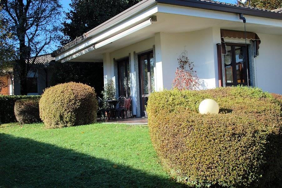 Villa in Via De Gasperi, Arona