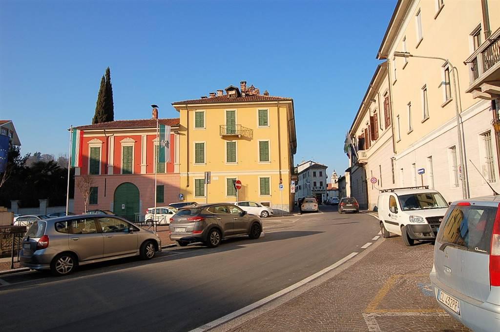 Bilocale in Via San Carlo, Arona