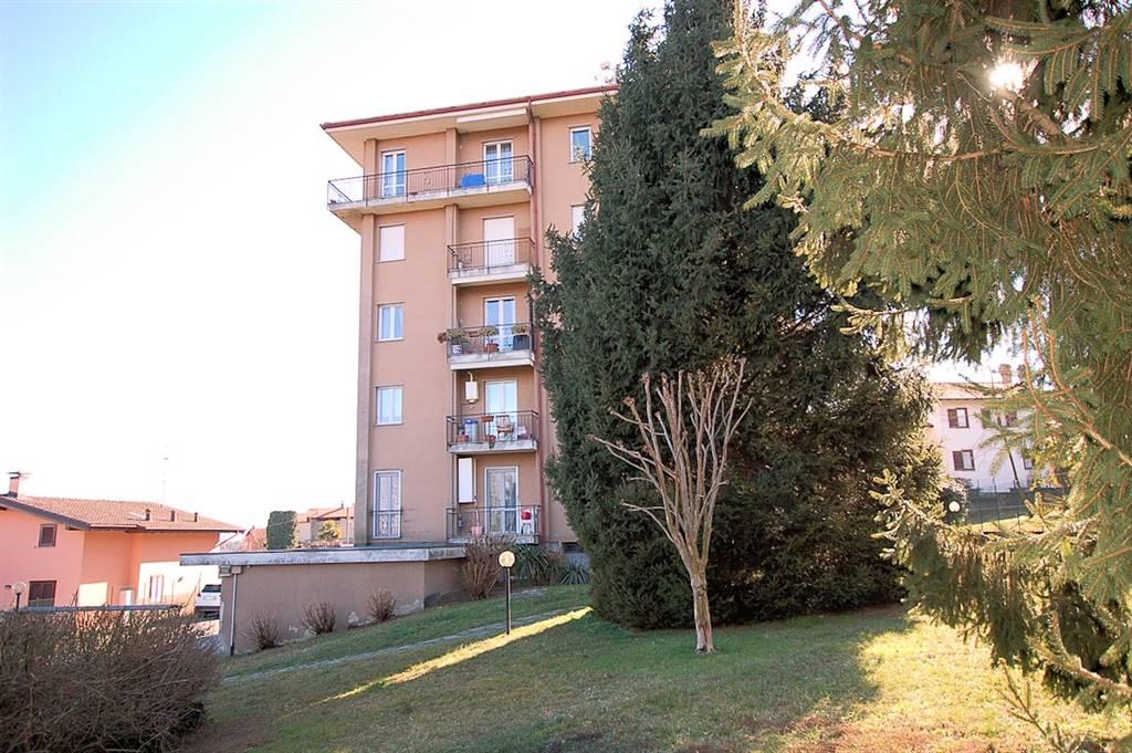 Appartamento in vendita a Paruzzaro, 5 locali, prezzo € 130.000 | Cambio Casa.it