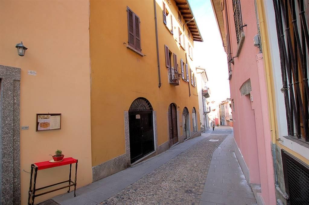 Negozio / Locale in affitto a Arona, 1 locali, prezzo € 400 | Cambio Casa.it