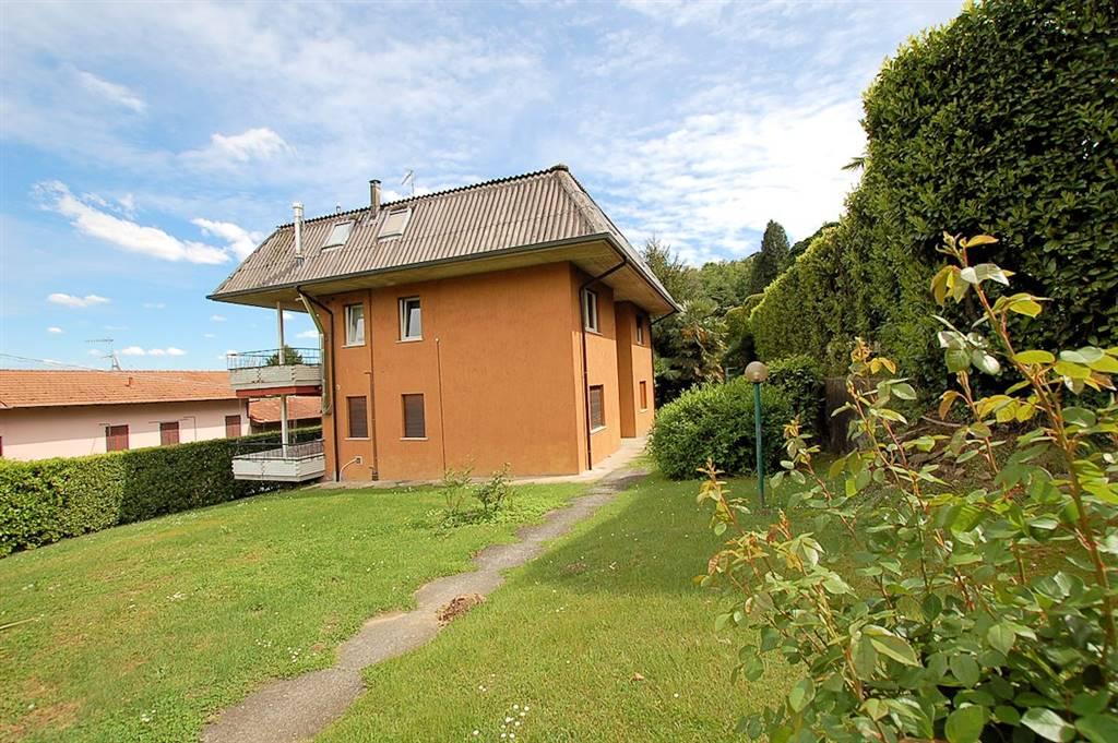 Appartamento in affitto a Meina, 2 locali, prezzo € 400 | Cambio Casa.it