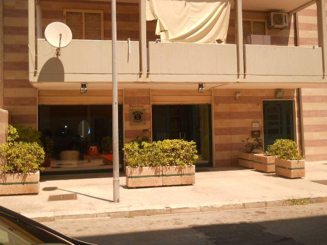 Negozio, Zona Faro, Bari, in ottime condizioni