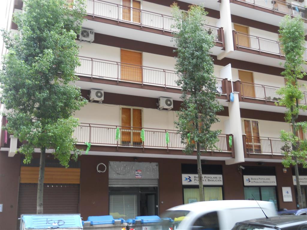 Attività / Licenza in vendita a Bari, 1 locali, zona Zona: Libertà, prezzo € 54.000 | Cambio Casa.it