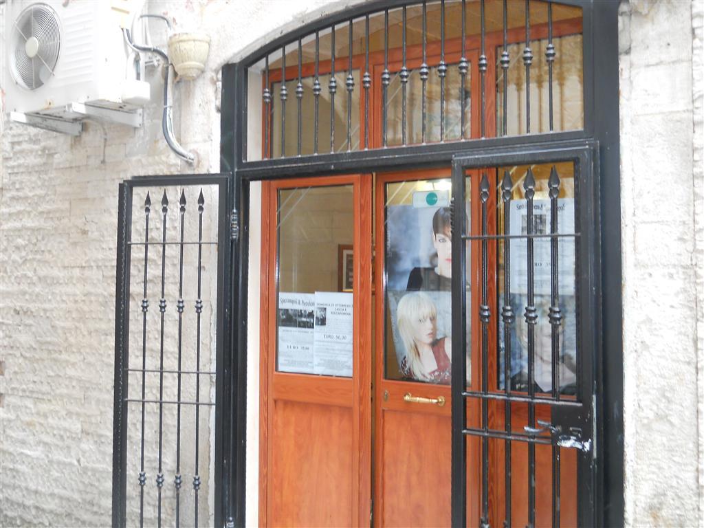 Attività / Licenza in vendita a Bari, 1 locali, zona Zona: Città Vecchia, prezzo € 95.000 | Cambio Casa.it