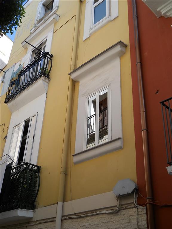 Trilocale, Città Vecchia, Bari, da ristrutturare