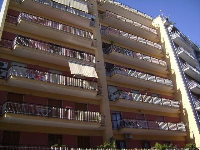 Appartamento in vendita a Bari, 4 locali, zona Zona: Libertà, prezzo € 220.000 | Cambio Casa.it