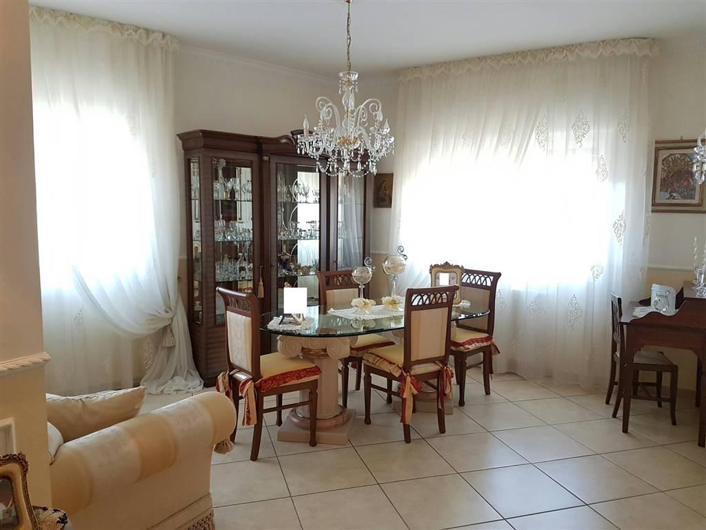 Appartamento in vendita a Bari, 3 locali, zona Zona: Libertà, prezzo € 165.000 | Cambio Casa.it