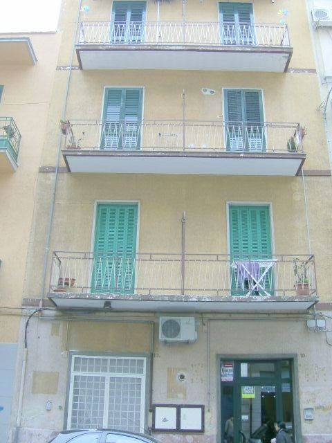 Attico / Mansarda in vendita a Bari, 3 locali, zona Zona: Libertà, prezzo € 129.000 | Cambio Casa.it