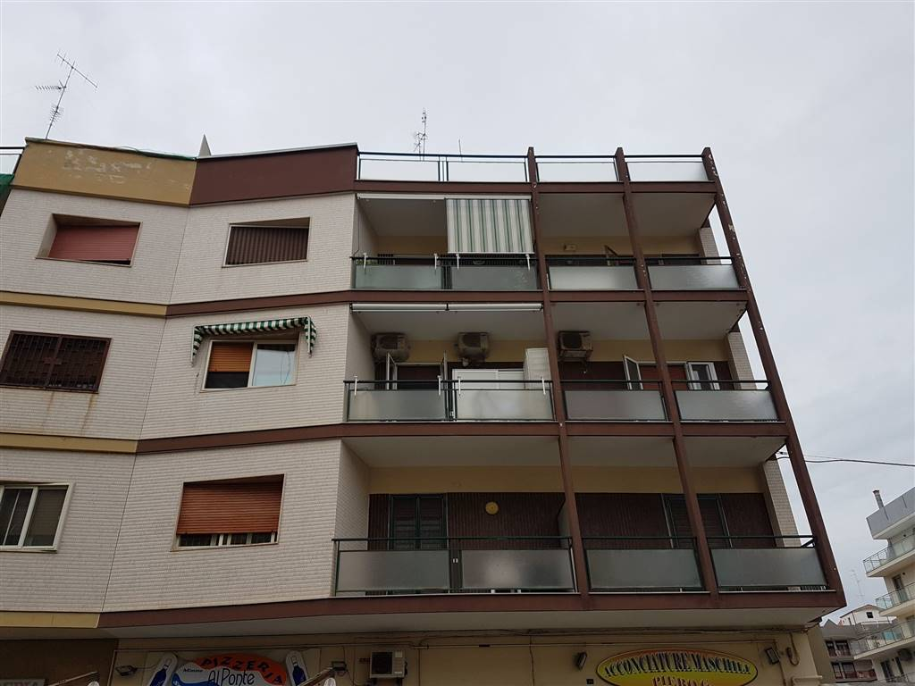 Appartamento in vendita a Bari, 3 locali, zona Località: SAN GIROLAMO, prezzo € 145.000 | Cambio Casa.it