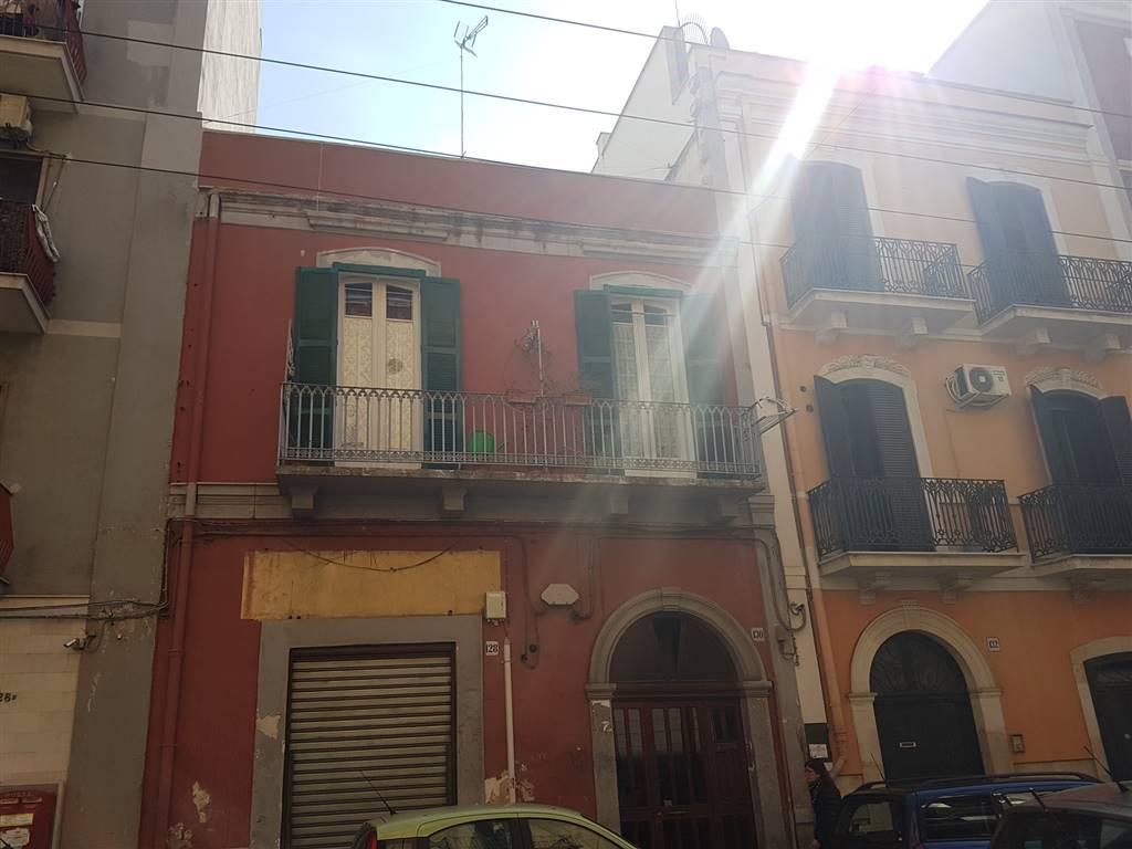 Appartamento in vendita a Bari, 3 locali, zona Zona: Libertà, prezzo € 90.000 | Cambio Casa.it