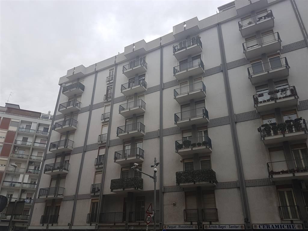 Appartamento in vendita a Bari, 4 locali, zona Zona: Libertà, prezzo € 245.000   Cambio Casa.it