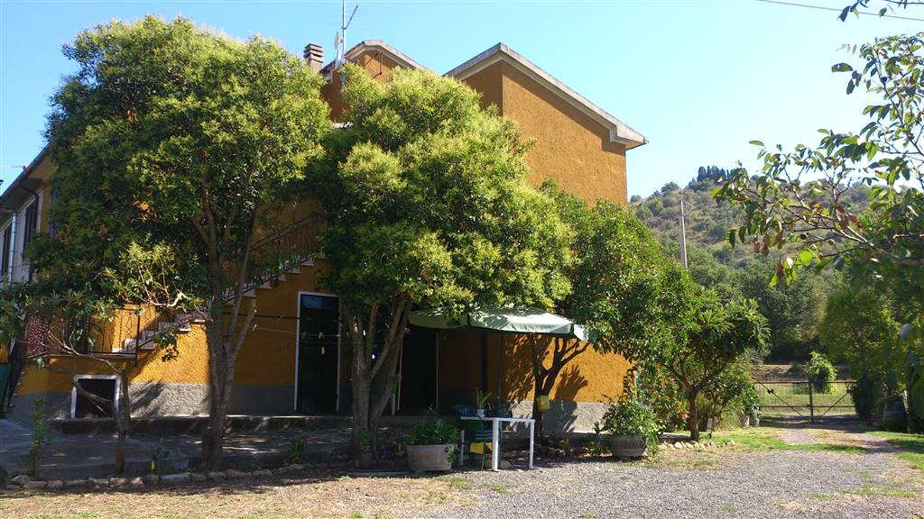 Soluzione Indipendente in vendita a Cinigiano, 9 locali, Trattative riservate | CambioCasa.it