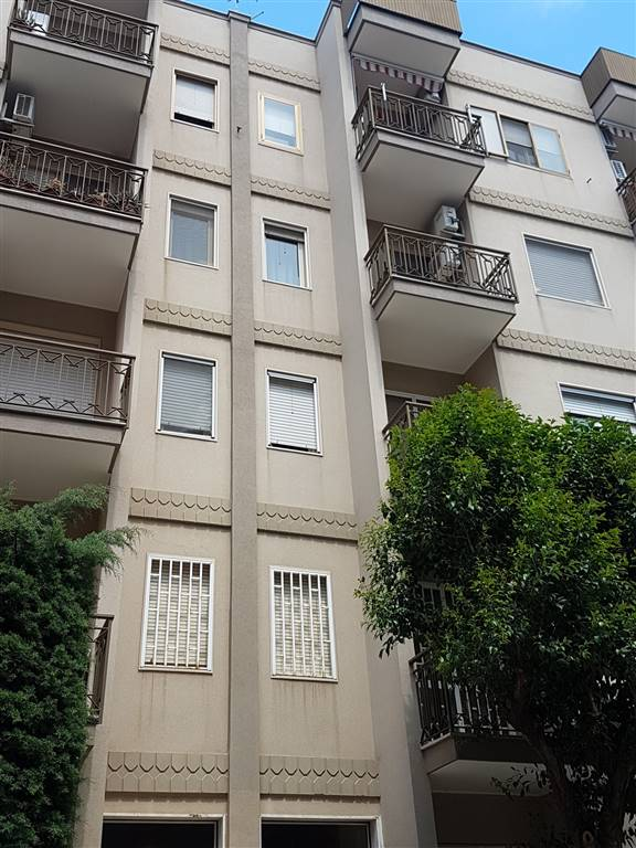 Appartamento in vendita a Modugno, 3 locali, prezzo € 130.000 | CambioCasa.it