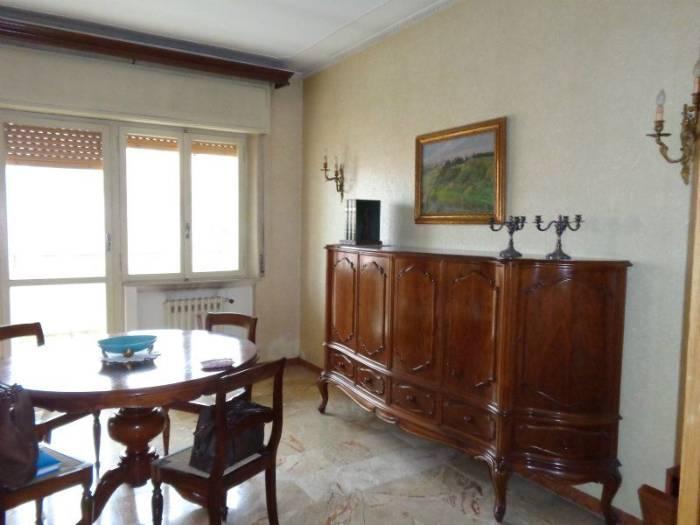 Attico / Mansarda in vendita a Falconara Marittima, 5 locali, zona Zona: Centro, prezzo € 160.000   Cambio Casa.it