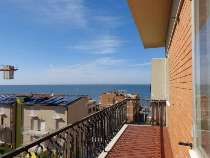 Appartamento in vendita a Ancona, 3 locali, zona Località: TORRETTE, prezzo € 125.000 | Cambio Casa.it
