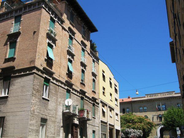 Appartamento in affitto a Ancona, 5 locali, zona Località: VILLAREY, prezzo € 230 | Cambio Casa.it