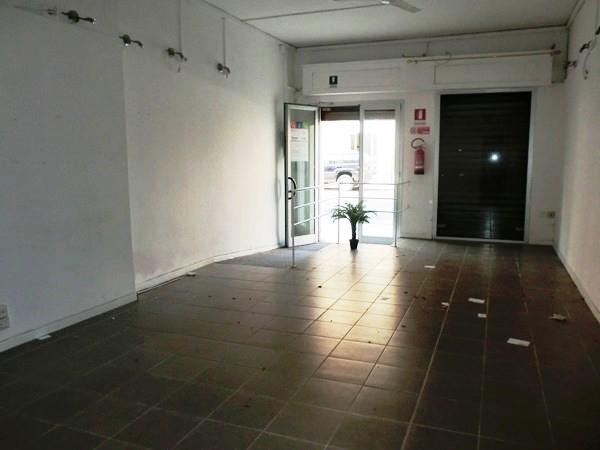 Immobile Commerciale in affitto a Falconara Marittima, 1 locali, prezzo € 400 | Cambio Casa.it