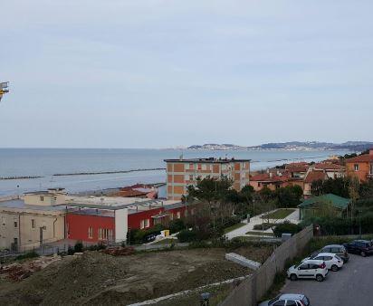 Appartamento in vendita a Falconara Marittima, 4 locali, zona Zona: Palombina vecchia, prezzo € 220.000 | Cambio Casa.it