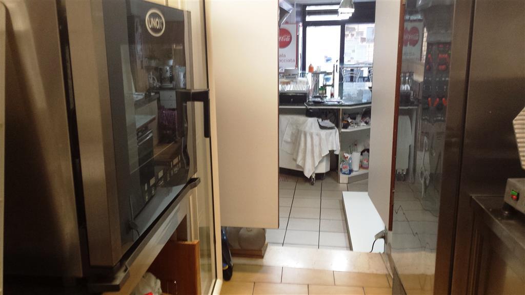 Ristorante / Pizzeria / Trattoria in vendita a Ancona, 1 locali, zona Zona: Centro storico, prezzo € 25.000 | Cambio Casa.it