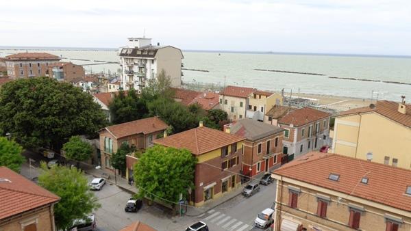Appartamento in vendita a Falconara Marittima, 3 locali, zona Zona: Centro, prezzo € 80.000 | Cambio Casa.it