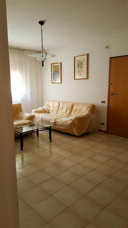 Appartamento in vendita a Falconara Marittima, 4 locali, zona Località: CASE UNRRA, prezzo € 160.000 | Cambio Casa.it