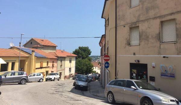 Appartamento in vendita a Ancona, 3 locali, zona Zona: Pinocchio, prezzo € 67.000 | Cambio Casa.it