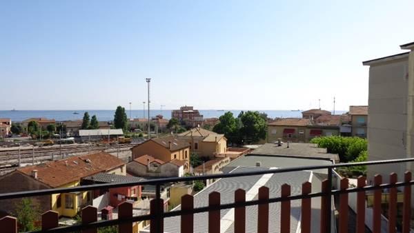 Appartamento in vendita a Falconara Marittima, 3 locali, zona Località: SEMICENTRO, prezzo € 69.000 | Cambio Casa.it
