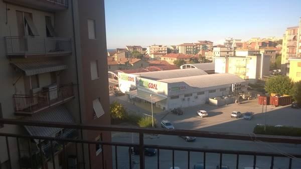 Appartamento in vendita a Ancona, 3 locali, zona Località: TORRETTE, prezzo € 120.000 | Cambio Casa.it