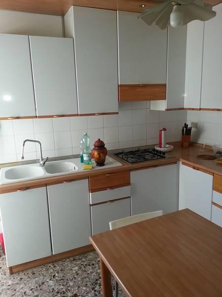 Appartamento in vendita a Falconara Marittima, 4 locali, zona Località: SEMICENTRO, prezzo € 99.000 | Cambio Casa.it