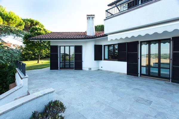 Villa in vendita a Ancona, 6 locali, zona Zona: Taglio di Barcaglione, Trattative riservate | Cambio Casa.it