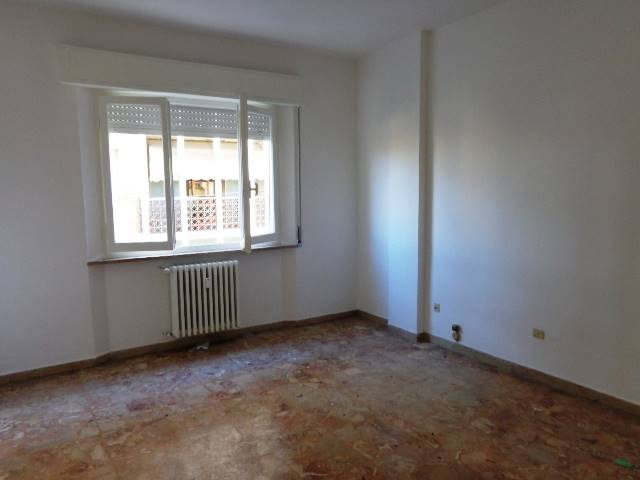 Appartamento in affitto a Falconara Marittima, 3 locali, zona Zona: Centro, prezzo € 350 | Cambio Casa.it