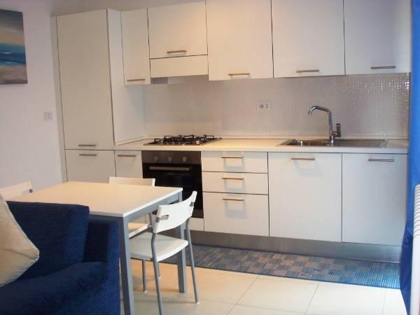 Appartamento in affitto a Falconara Marittima, 2 locali, zona Zona: Castelferretti, prezzo € 450 | Cambio Casa.it