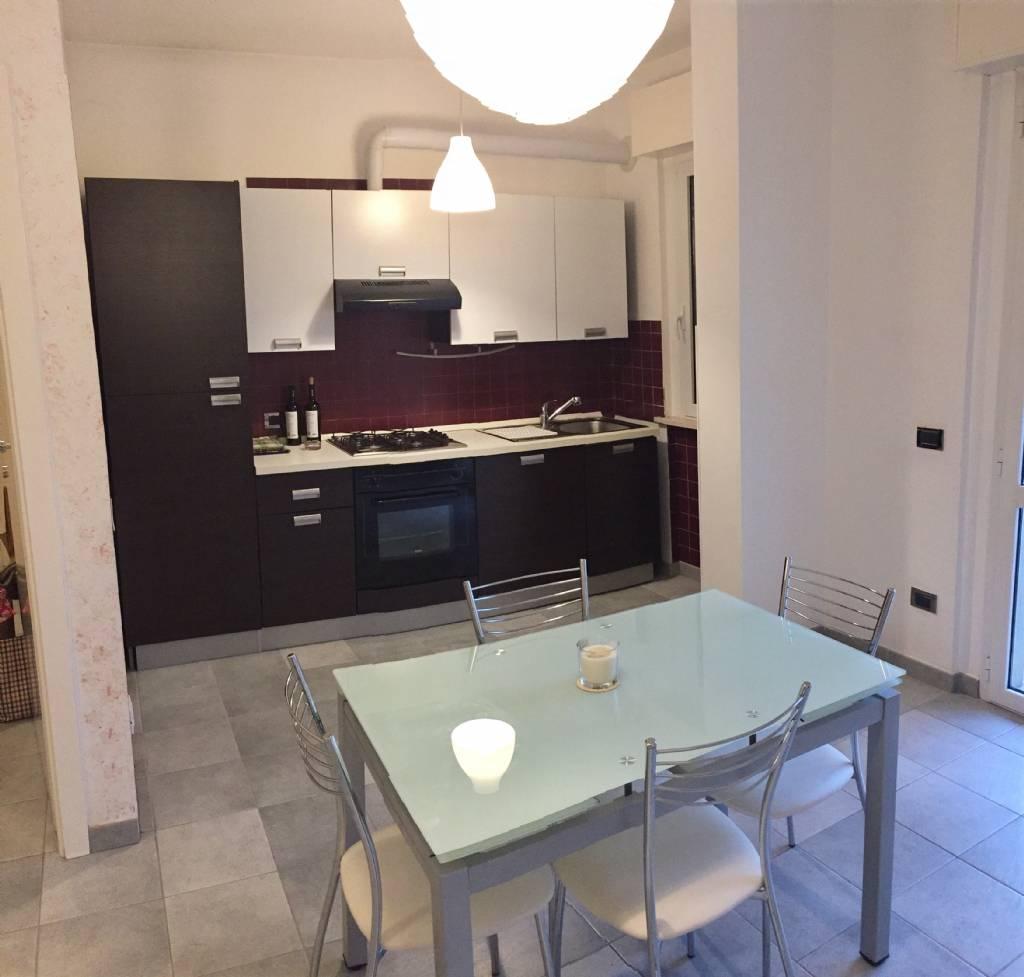 Appartamento in vendita a Falconara Marittima, 3 locali, zona Zona: Castelferretti, prezzo € 90.000 | Cambio Casa.it