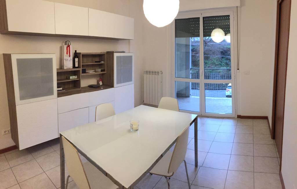 Appartamento in vendita a Falconara Marittima, 3 locali, zona Zona: Castelferretti, prezzo € 95.000 | Cambio Casa.it